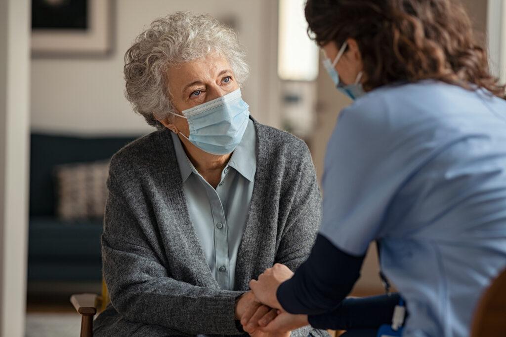 Jak dbać o seniora w czasie pandemii?
